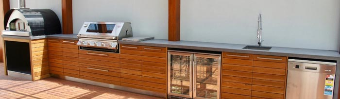 Adelaide Home with Outdoor Kitchen by Mid Coast Pergolas and Decks